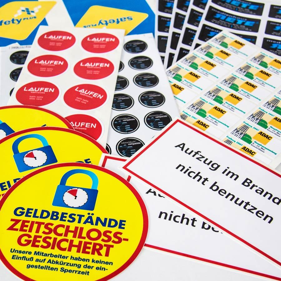 Verschiedene Aufkleber und Etiketten hergestellt von RETE