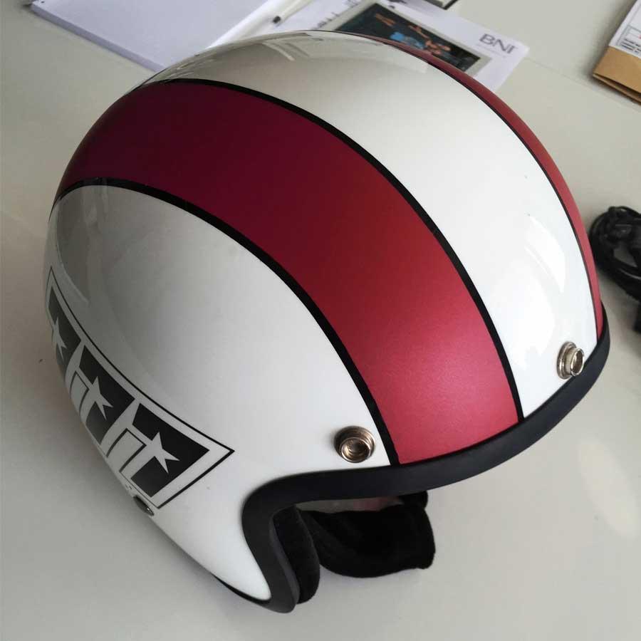 Sonderverklebung eines Helms
