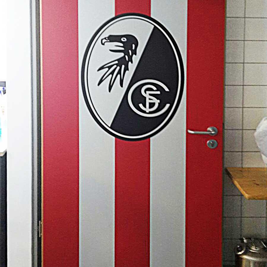 SC Freiburg Tür Sonderverklebung