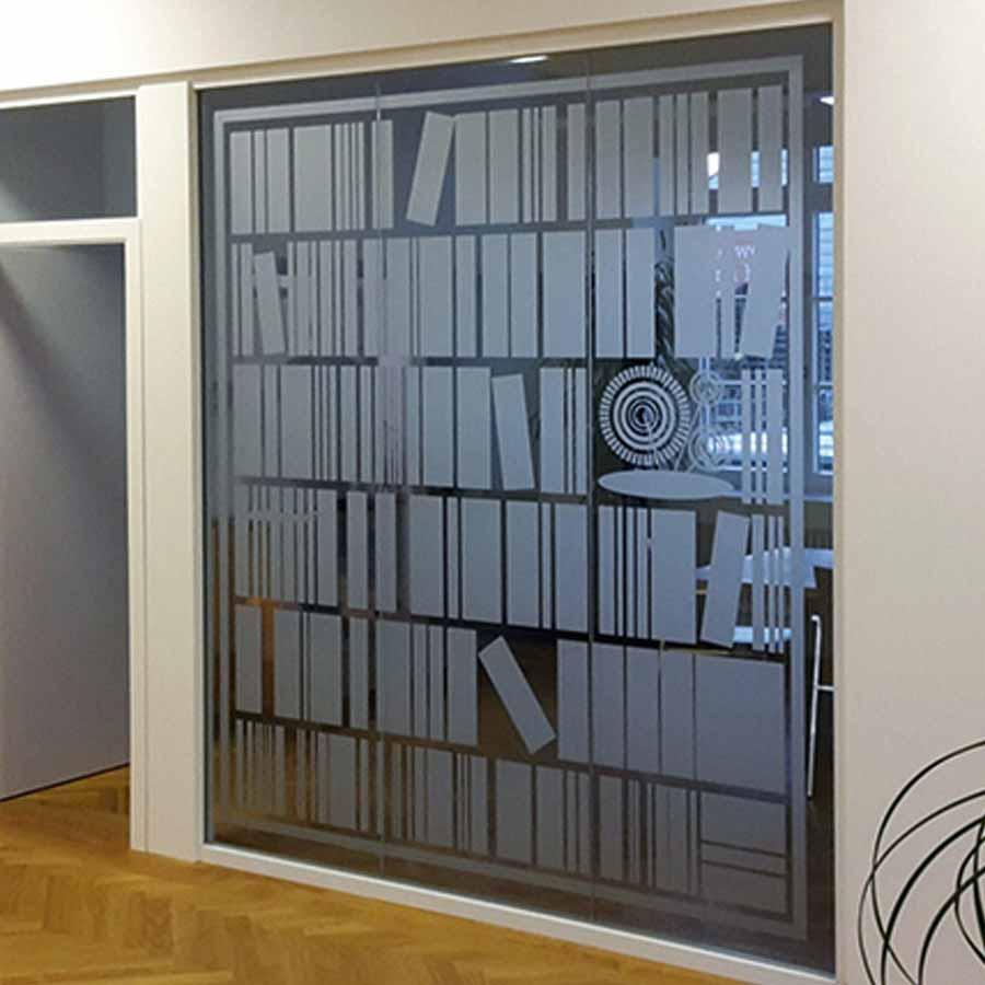 Bücherregal als Glasdekorfolie zum Sichtschutz