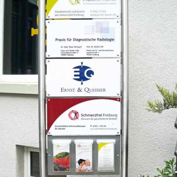 Beispiel für Stelen und Pylone von Medienhaus RETE in Freiburg und Emmendingen