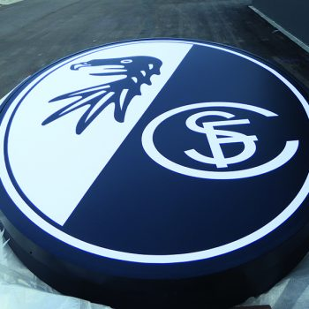 Europa-Park-Stadion Europa Park Werbetechnik Sportclub Freiburg Medienhaus RETE Logobefestigung