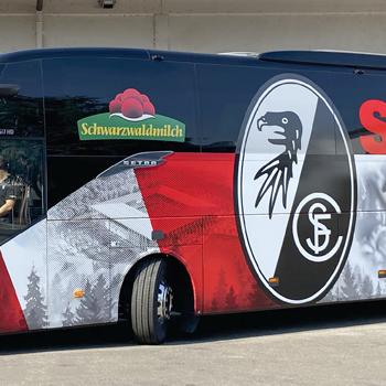 SC Freiburg Fanbus Werbetechnik Folierung