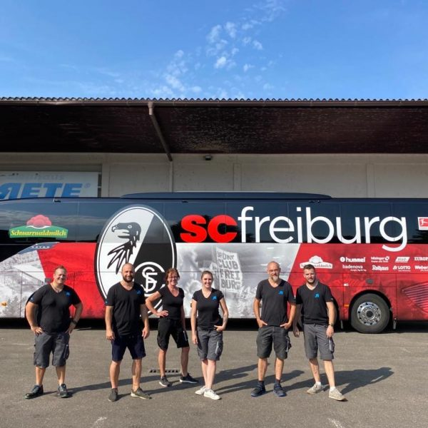 SC Freiburg Mannschaftsbus Werbetechnik