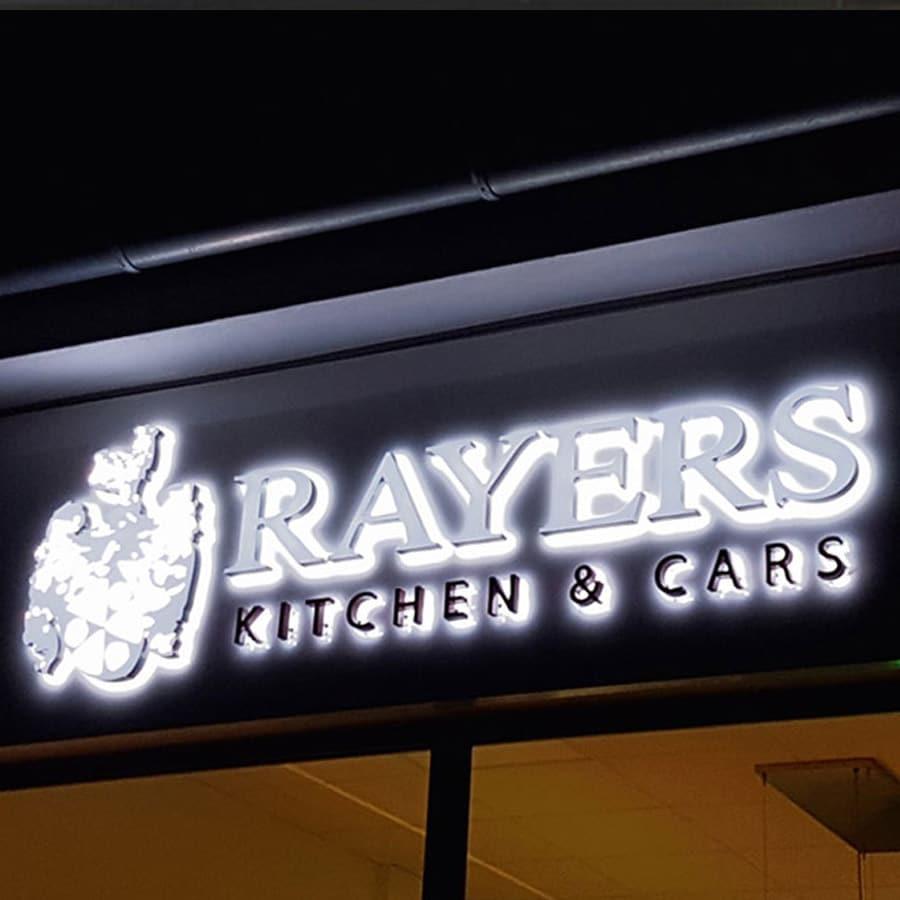3D-Buchstaben und Objekte für Rayers Kitchen & Cars
