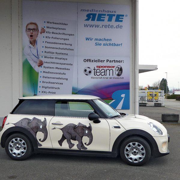 Medienhaus RETE präsentiert Autofolierung mit Tiermotiven