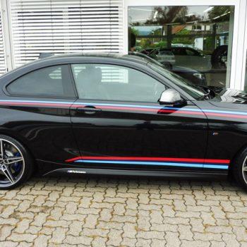 Fahrzeugfolierungen BMW M 240i Coupe Streifen bekleben Auto folieren