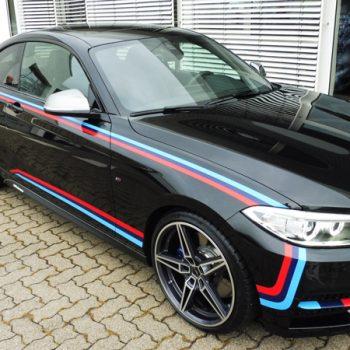 Fahrzeugfolierungen BMW M 240i Coupe Streifen bekleben