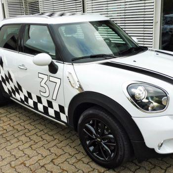 Fahrzeugfolierungen Auto bekleben Mini Countryman