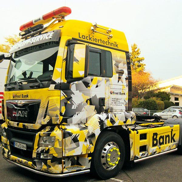 LKW Bekleben Fahrzeugbeschriftung