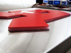 Firmenbeschriftung 3D Buchstaben Apotheken Schild