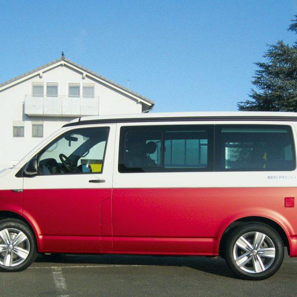 VW_T6_seitlich_rot Auto teilfolieren lassen