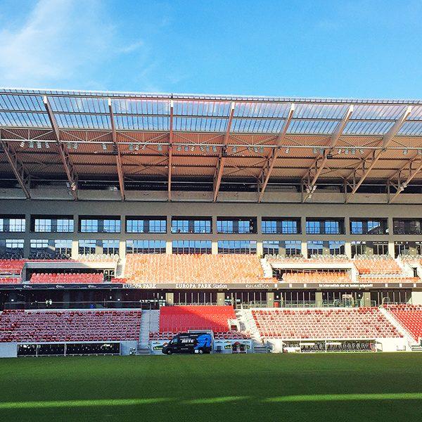 Stadionwerbung Medienhaus RETE Werbetechnik Bannerwerbung