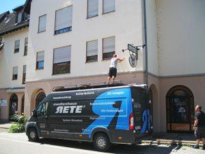 Schild mit 3D-Effekt Werbetechnik in Freiburg